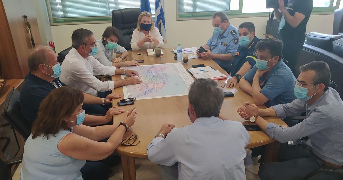 Τον νέο Διοικητή Πυροσβεστικών Υπηρεσιών Στερεάς Ελλάδας υποδέχθηκε η Φανή Παπαθωμά μαζί με τους Δημάρχους της Βοιωτίας